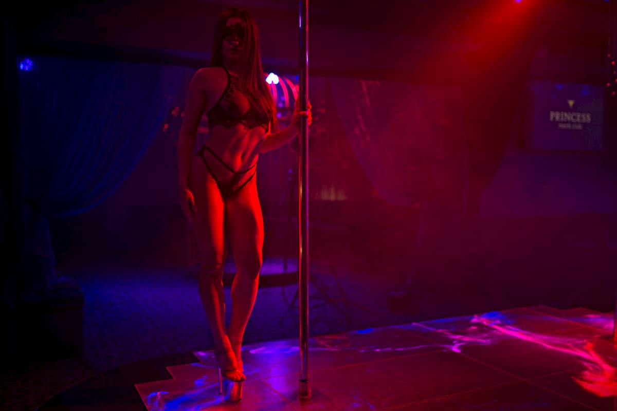 erotic striptease in the capital of Ukraine - Kiev